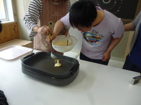 ホットケーキに挑戦(チャレンジド岩ケ崎)